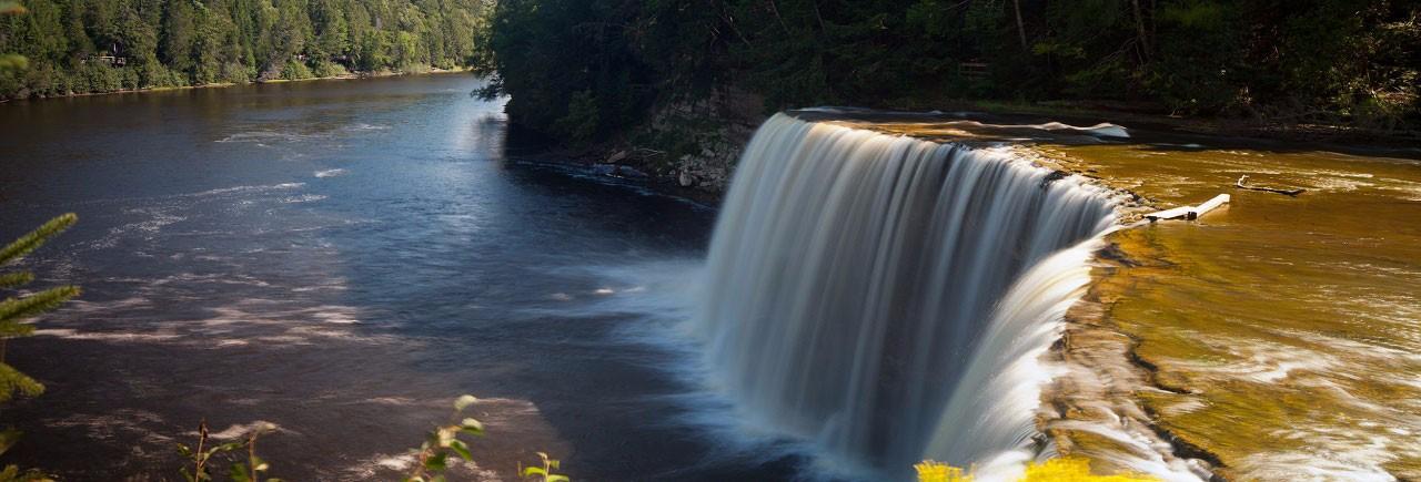 Tahquamenon-Upper-Falls2